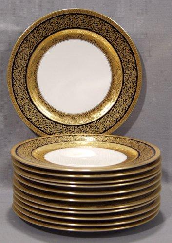 1024: ROSENTHAL PORCELAIN DINNER PLATES, RETAILED BY OV