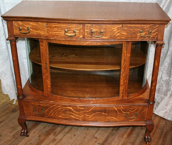 110021: AMERICAN ANTIQUE OAK DISPLAY CABINET, C.1900