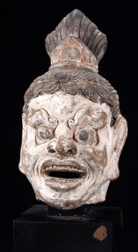113005: CHINESE PAINTED EARTHENWARE HEAD OF LOKAPALA, T