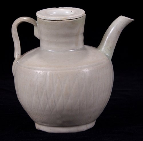 113009: CHINESE YUEH WARE EWER, EARLY SUNG DYNASTY, H 6