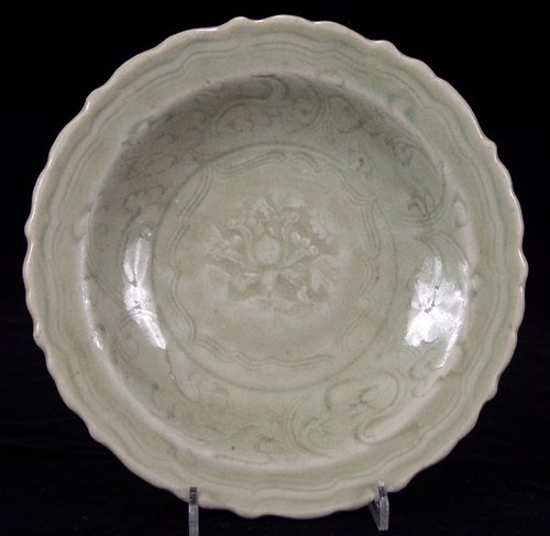113027: CHINESE LUNG-CH'UAN CELADON WARE DISH, MING DYN