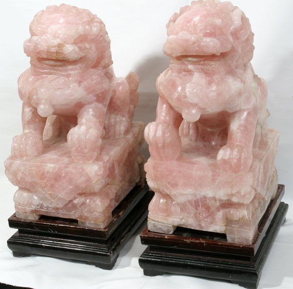 "011250: CHINESE ROSE QUARTZ FOO DOGS H20"" D12"""