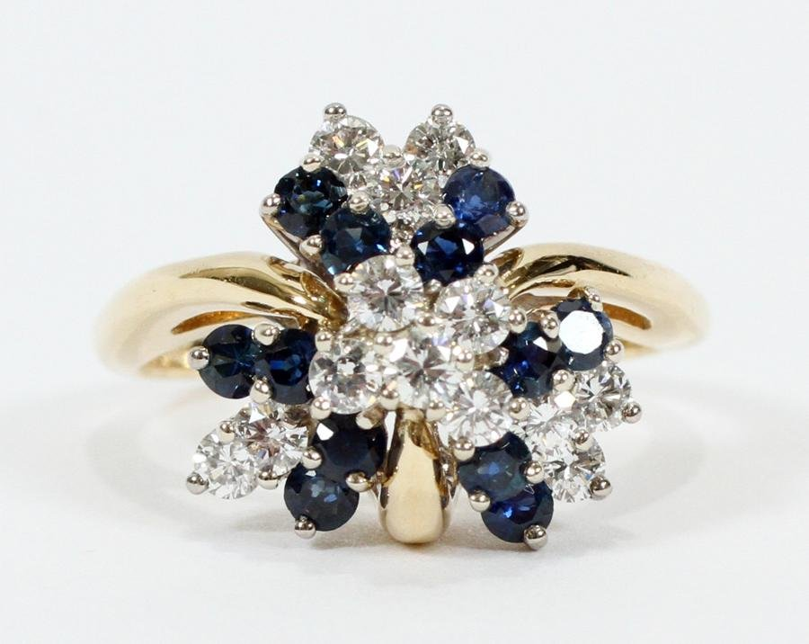 DIAMOND & SAPPHIRE CLUSTER GOLD RING