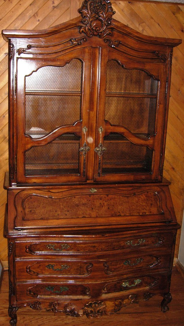 020005: COUNTRY FRENCH CARVED WALNUT SECRETARY DESK
