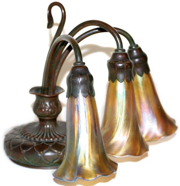 021006: TIFFANY STUDIOS BRONZE & GOLD LILY DESK LAMP