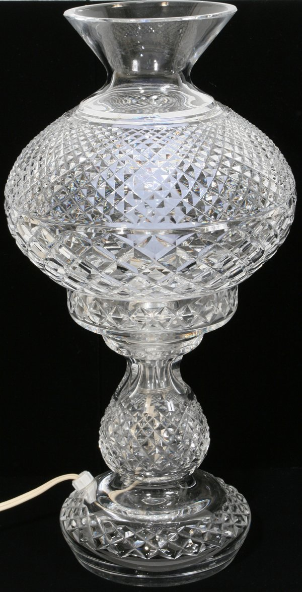 031290: WATERFORD CRYSTAL LAMP WITH HURRICANE GLOBE