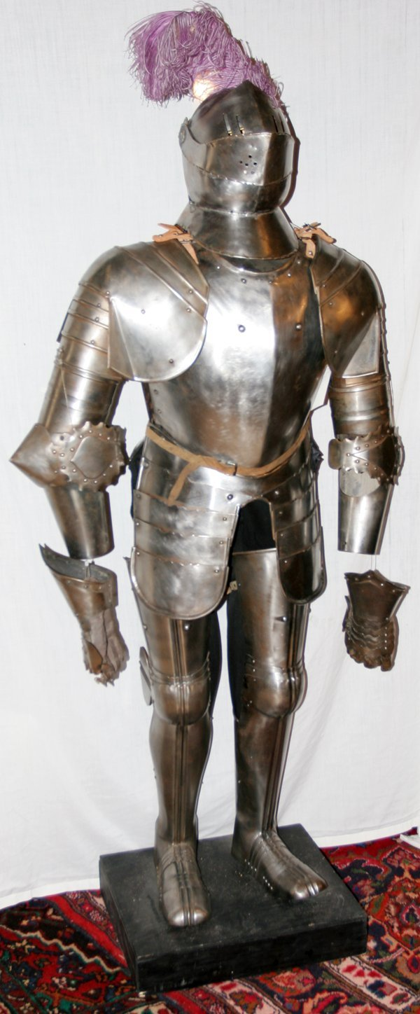 032015: KNIGHT'S IRON ARMOR, COMPLETE SET, 19TH C.