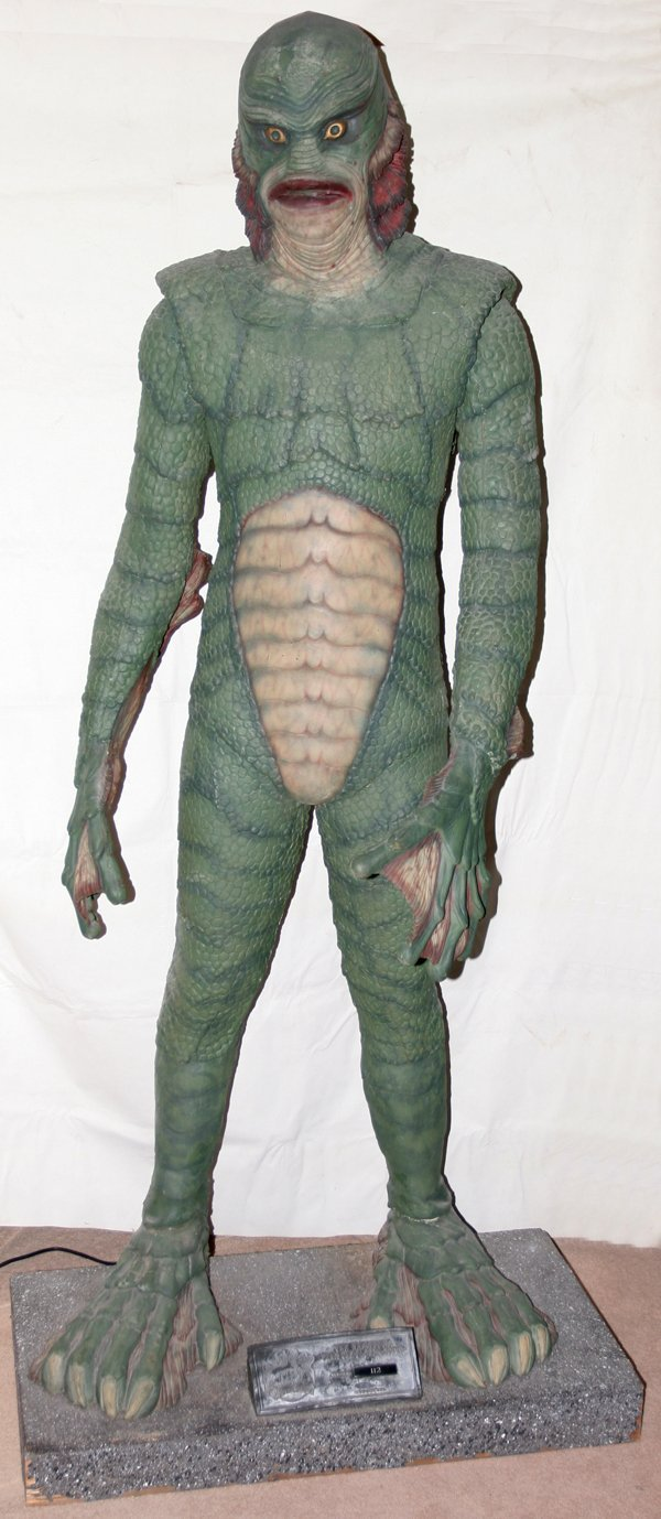"""040002: CREATURE FROM THE BLACK LAGOON FIGURE, H 76"""""""