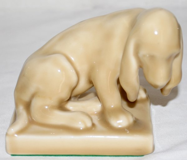 041016: ROOKWOOD POTTERY FIGURE OF A SEATED PUP #2998