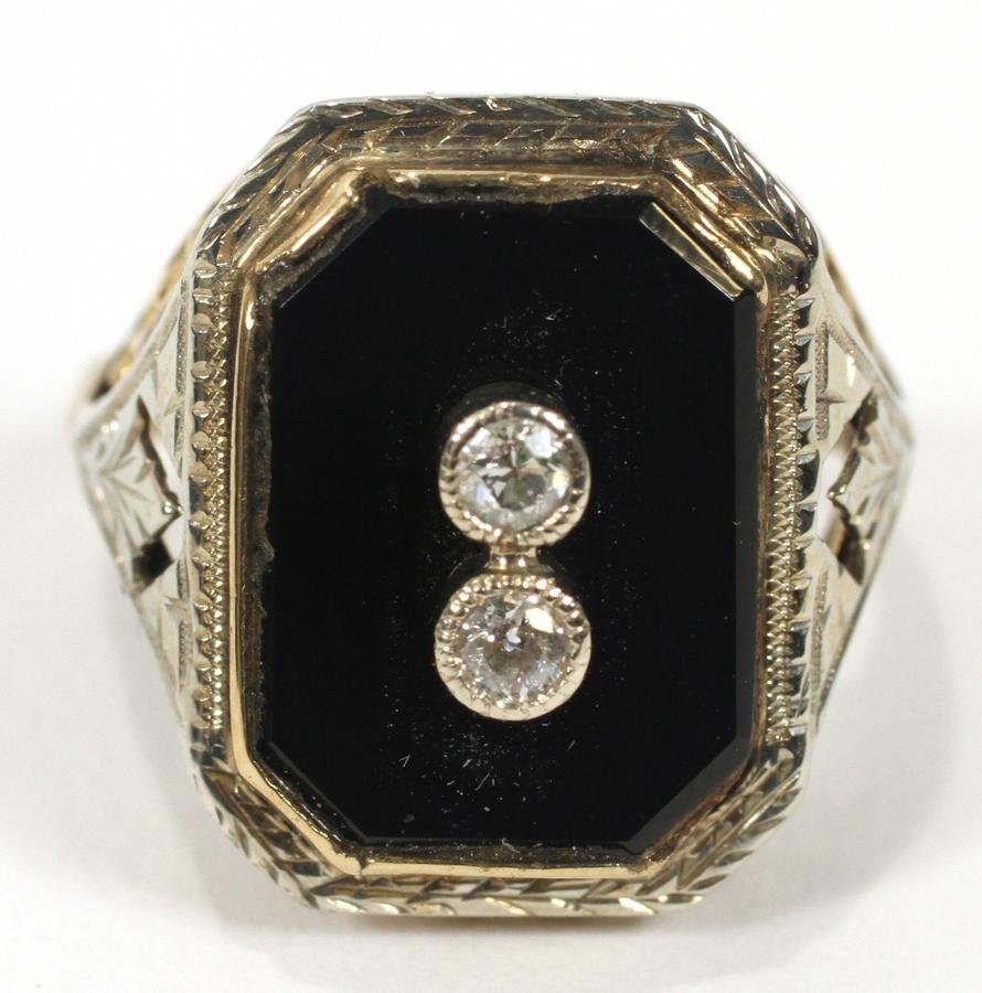10KT GOLD, ONYX & DIAMOND RING, SIZE: 5