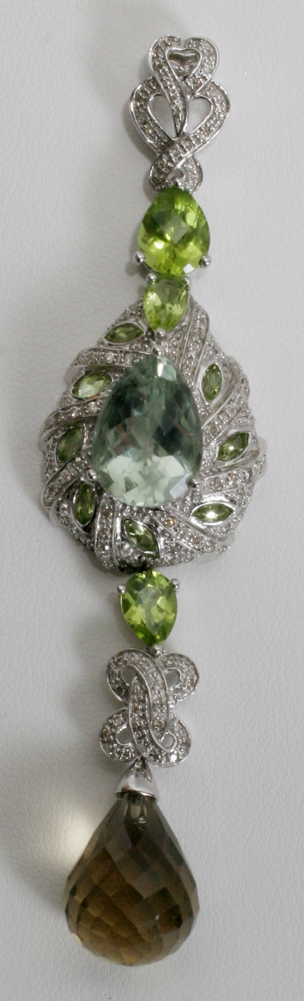 050004: DIAMOND, QUARTZ, AMETHYST & GOLD PENDANT