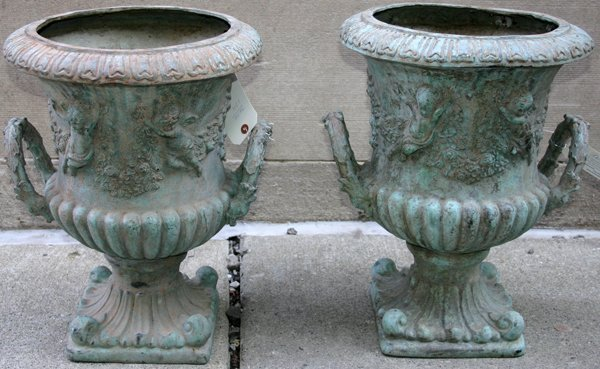 050022: NEOCLASSIC STYLE URNS W/ANTIQUE GREEN PATINA