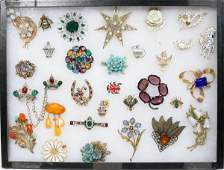 050320: COSTUME JEWELRY, SIGNED BROOCHES, 30 PIECES
