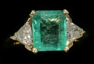 14KT YELLOW GOLD 2.50 CT. EMERALD LADY'S RING W
