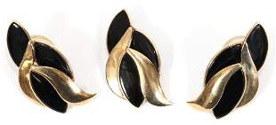 FLAMING ONYX GOLD EARRINGS AND PENDANT SUITE