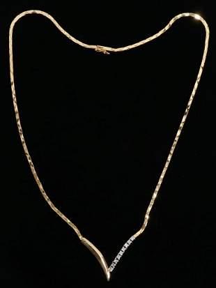 DIAMOND GOLD V SHAPED NECKLACE
