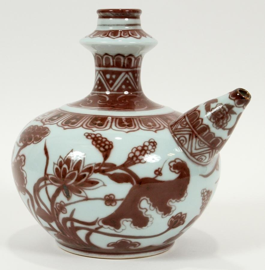 CHINESE PORCELAIN KENDI, MING DYNASTY, 1368-1644