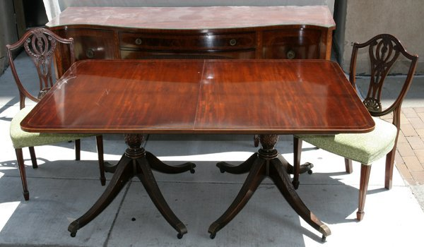080004: MAHOGANY DINING TABLE, CHAIRS & SIDEBOARD, 8