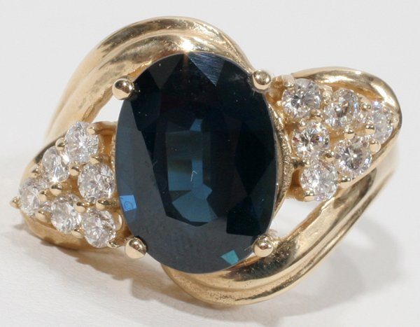 090010: YELLOW GOLD, 6.5 CT SAPPHIRE & DIAMOND RING