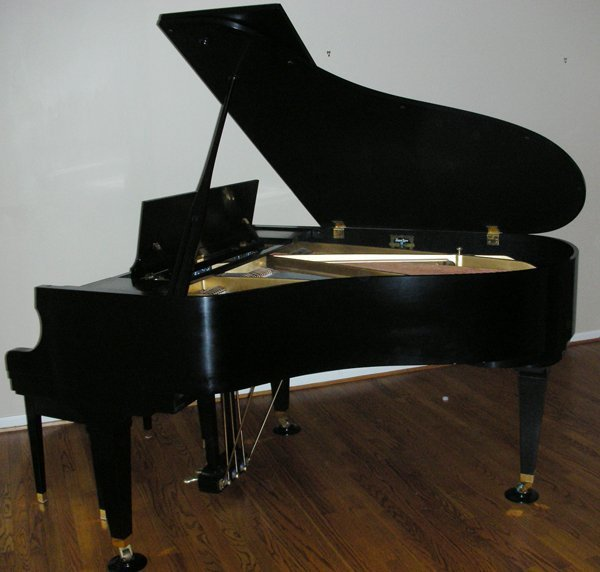 "091026: KAWAI ""HOWARD"" EBONY GRAND PIANO L 68"""