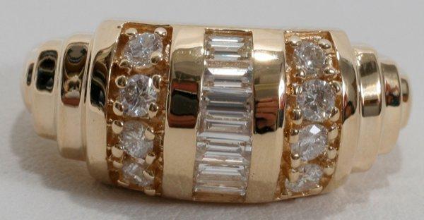 100011: 1.40 CT. BAGUETTE & ROUND DIAMOND RING
