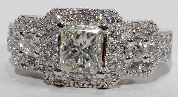 100014: PRINCESS CUT & SIDE DIAMOND RING