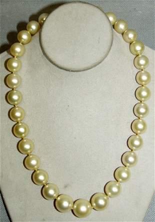 14 KT. W.GOLD, DIAMOND & S.SEA PEARL NECKLACE