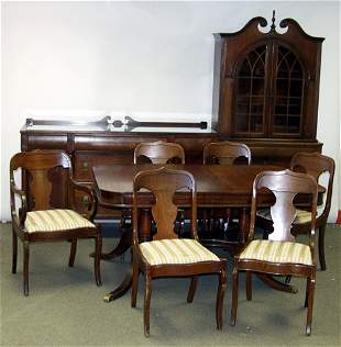 HEPPLEWHITE STYLE DINING TABLE SET, EARLY 20TH