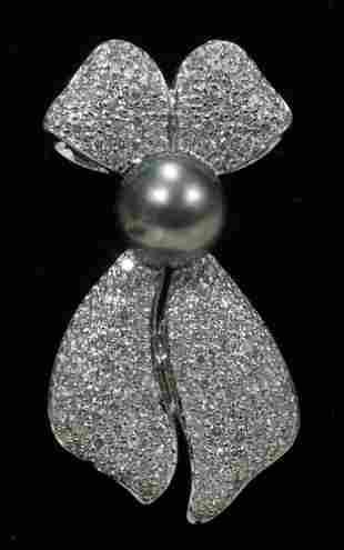 18 KT. WHITE GOLD, DIAMOND & TAHITIAN PEARL PIN