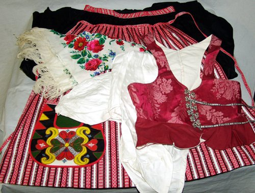 020458: SWEDISH COSTUME WITH DRESS, WAIST POUCH, BLOUSE