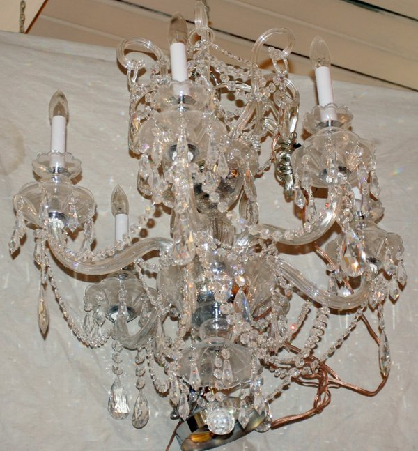"110024: SIX LIGHT, CRYSTAL CHANDELIER, H 28"", DIA 25"""
