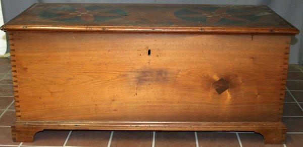 110046: AMERICAN ANTIQUE PINE BLANKET CHEST, C1900