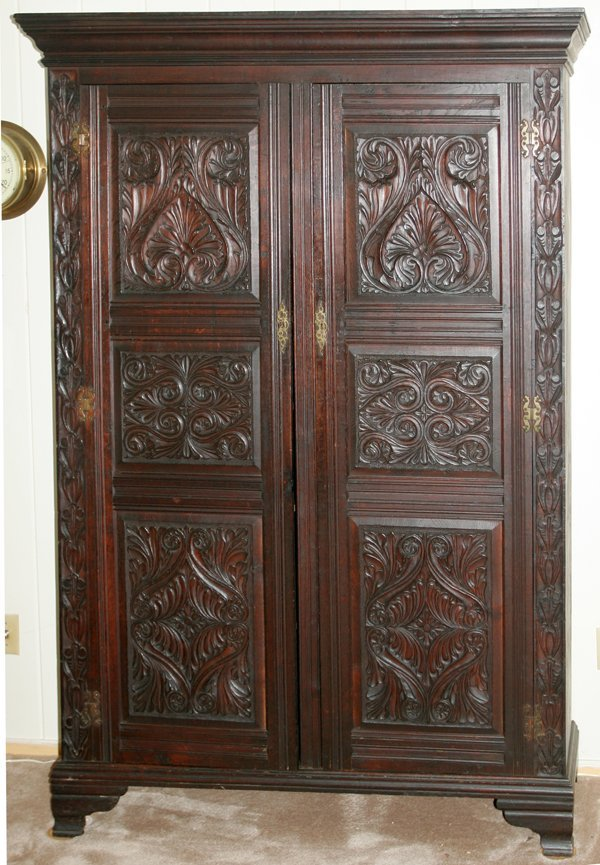 111033: ENGLISH CARVED OAK ARMOIRE, C. 1870, H 78""