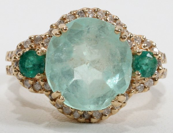 120023: 14KT YELLOW GOLD, EMERALD AND DIAMOND RING