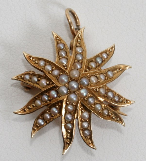 010027: 14 KT GOLD AND SEED PEARL PIN, 3 GRAMS