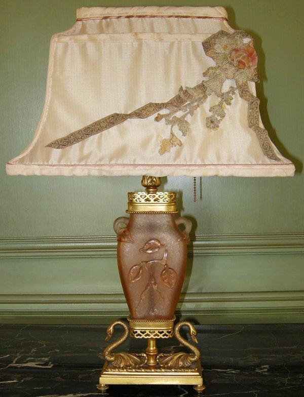 "021016: D'ORE BRONZE & ART GLASS TABLE LAMP, H 22"""