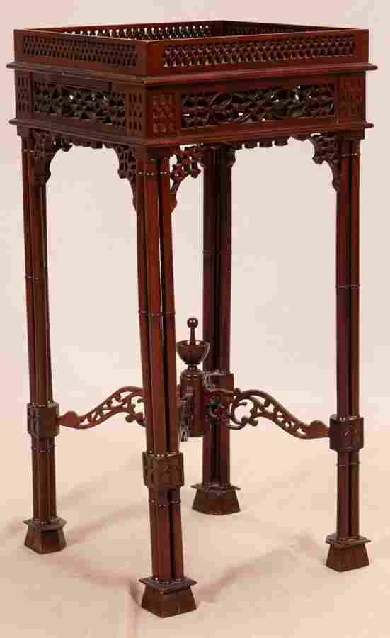 MAHOGANY CHIPPENDALE STYLE PEDESTAL TABLE