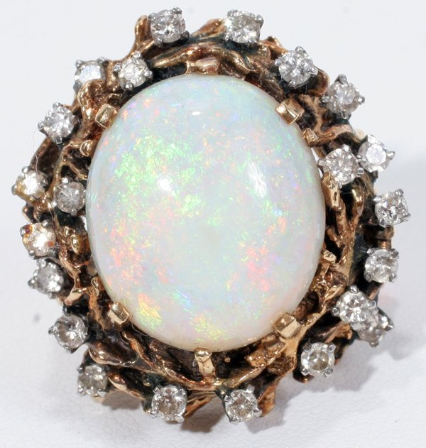 031018: 10CT OPAL & DIAMOND RING