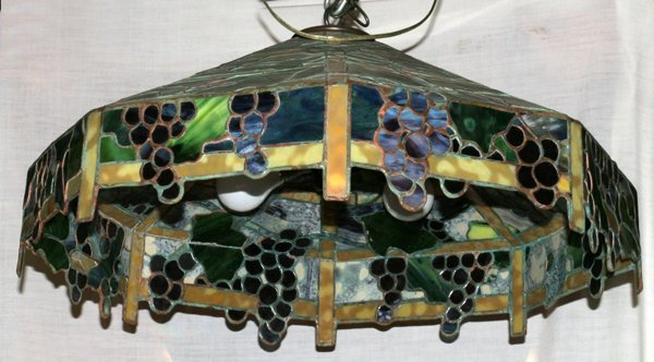 """040021: LEADED GLASS HANGING SHADE, C 1950, H 13"""""""