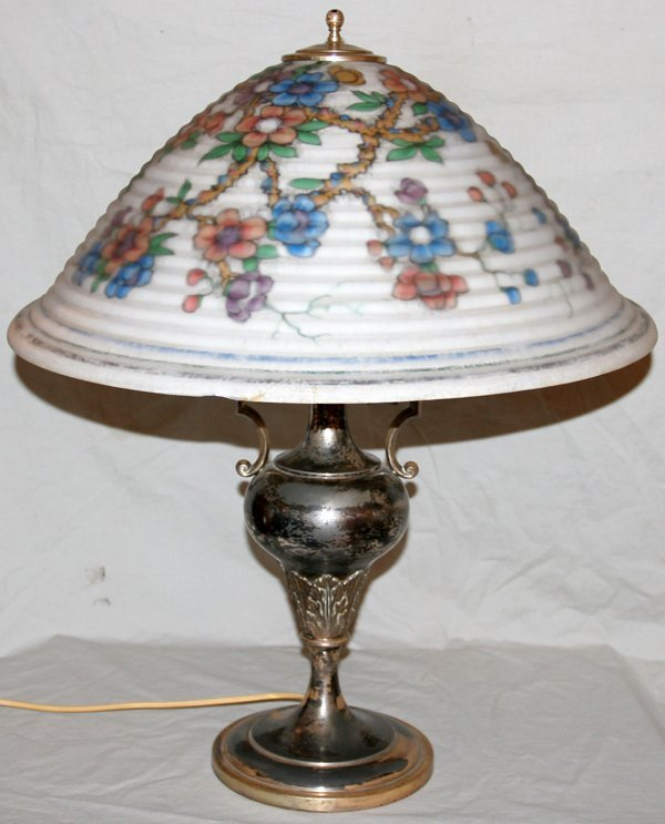 "040022: PAIRPOINT LAMP, H 26"", DIA 21 1/4"""