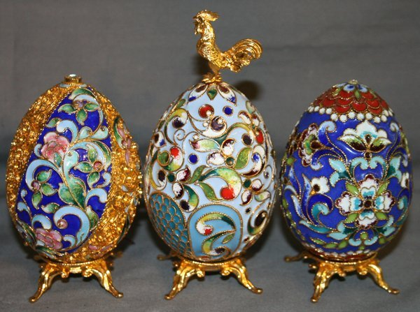 """040024: FABERGE STYLE EGGS, THREE, H 4"""" & 5"""""""