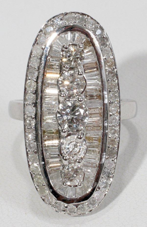 080004: 18CT WHITE GOLD & DIAMOND RING
