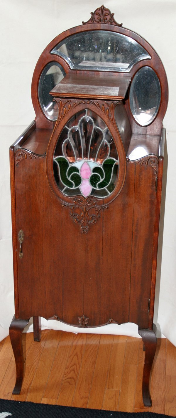 080018: ART NOUVEAU MAHOGANY & STAINED GLASS CABINET,