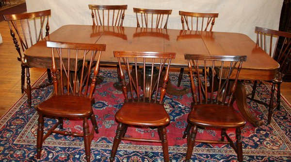 090008: AMERICAN ANTIQUE MAHOGANY DINING ROOM SET,