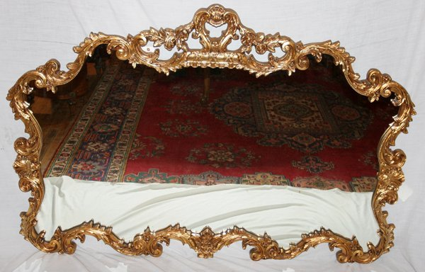 090012: ITALIAN ROCOCO STYLE CARVED GILT WOOD MIRROR