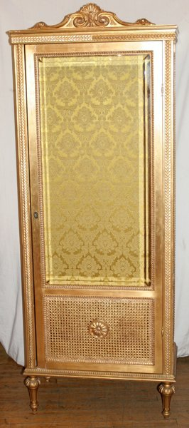 101009: FRENCH LOUIS XVI STYLE GILT CURIO CABINET
