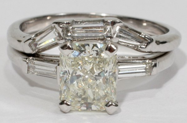 112196: 1.70 CT. RADIANT CUT DIAMOND RING AND BAND