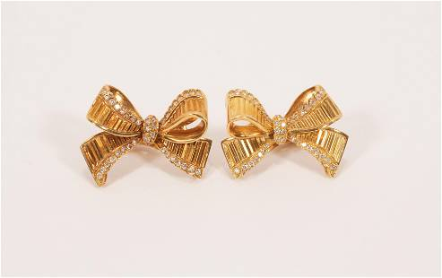 18KT YELLOW GOLD AND DIAMOND BOW FORM EARRINGS