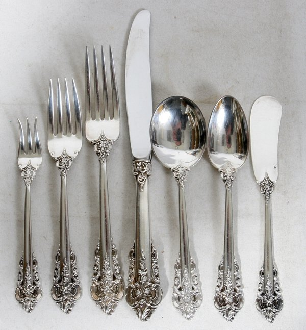 121009: WALLACE 'GRAND BAROQUE' STERLING FLATWARE, 112
