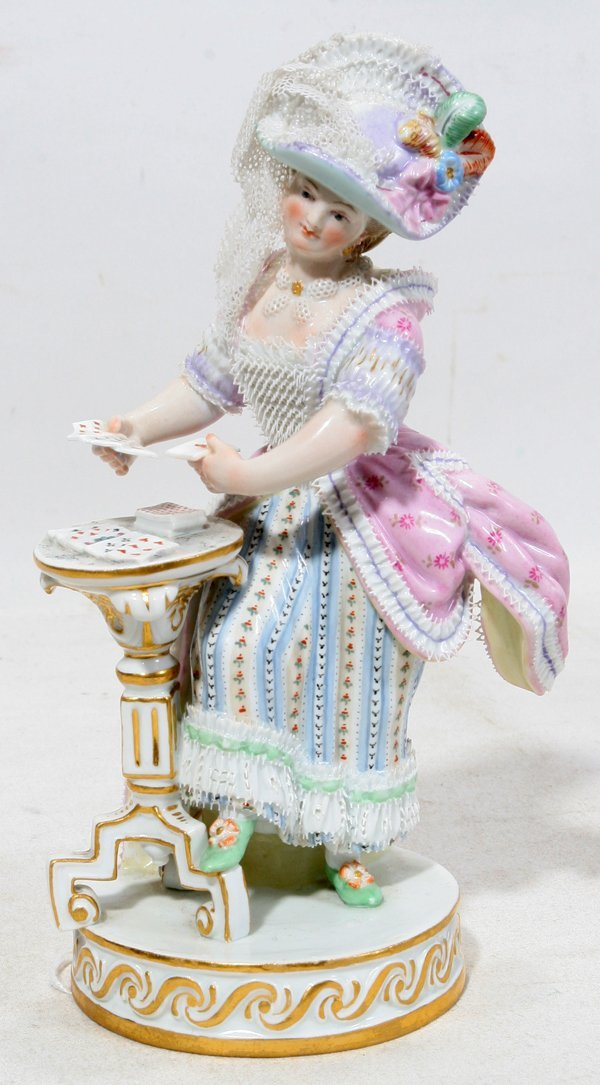 121024: MEISSEN PORCELAIN FIGURE, WOMAN PLAYING CARDS